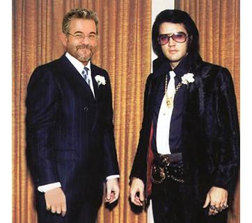 Avec Elvis #1. Voir page Facebook : Votre photo avec votre star