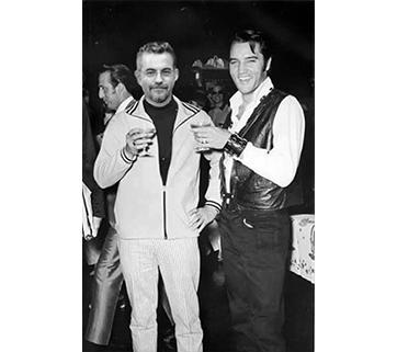 Avec Elvis #2. Voir page Facebook : Votre photo avec votre star